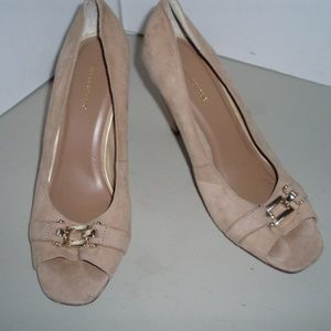 Banana Republic Beige Suede Heels/Shoes-8 M